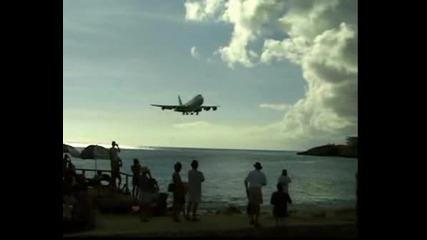 Самолет каца на остров Св. Мартин