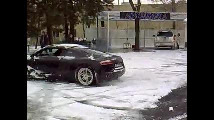 Ауди Р8 на сняг
