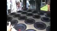 24 броя 10 инчови бас колони в кола!!!!!!невероятно!