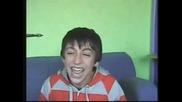 Момчето с Най - дразнещия смях!