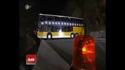 Вижте как се обръща автобус на мост !!!