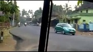 Луд шофьор на автобус