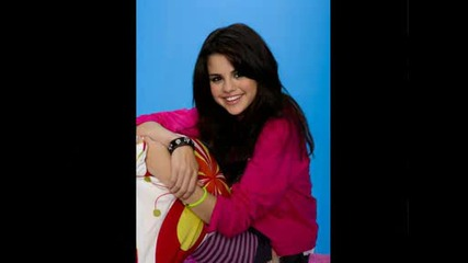 Selena Gomez [!]