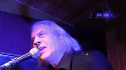 Uriah Heep - Nail To The Head