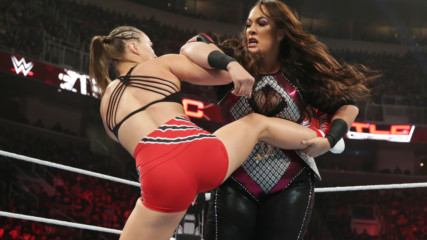 Nia Jax uses raw power to counter Ronda Rousey's fast-paced offense: WWE TLC 2018 (WWE Network Exclusive)