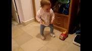 Дете Игра С Играчка