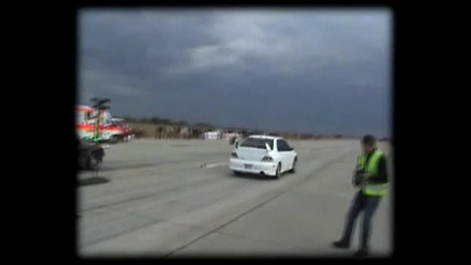 Mitsubishi Lancer Evo Viii Vs. Bmw E30 Drag Race [1_4 Mile]