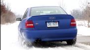 Потегляне с мръсна газ на сняг • Audi S4