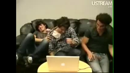 Joe hugging and tackling Nick video chat xixi cute