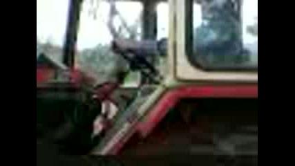 Илко Кара трактор