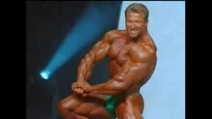 Gunter Schlierkamp - Mr. Olympia Possing