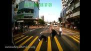 Пешеходци на пътя - компилация !