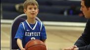 Момче с една китка мечтае да играе баскетбол