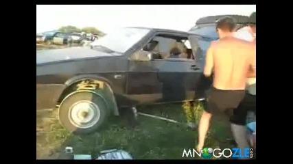 Как се пали кола с паднал акумулатор