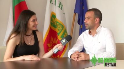 Loading... Интервю с кмета на Община Сандански Кирил Котев