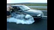 Може Ли 5ма Човека Да Одържат Opel Vectra?