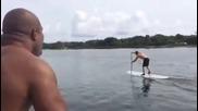 Шанън Бригс събаря Кличко във водата