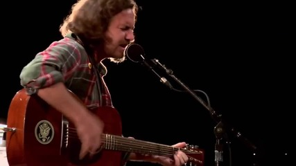 Eddie Vedder Far Behind