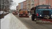 Как се почиства сняг със старият Боец Ифа В50л
