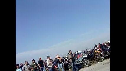 Откриване на мото събор София2010, мотор с кош на 2 гуми и малко stunt с атв - та