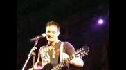 Guille Barea Canta A Su Amigo