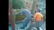 Ето как се забавляват строителите