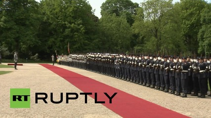 Germany: Gauck welcomes Israeli President Rivlin to Berlin with full military honours