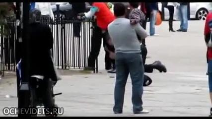 Ето как работи британската полиция при залавяне на оказващ съпротива човек