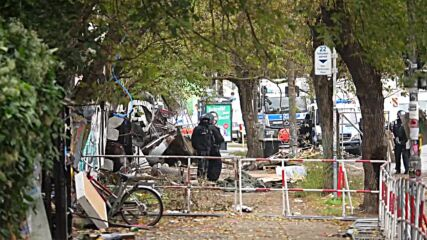 Germany: Police and protesters clash at Berlin Kopi car park eviction