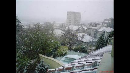 Честит Ви Първи Сняг