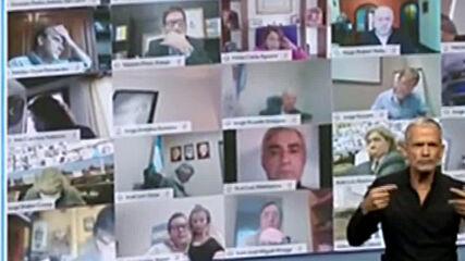 Argentina: Diputado provoca escándalo al tocar y besar los senos de una mujer durante sesión legislativa