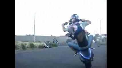 Акробатика с мотори