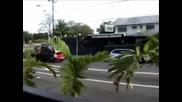Експресно прибиране на неправилно паркирана кола:)