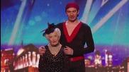Тази баба танцува грандиозно салса и шокира журито...и мен!!! Великобритания търси талант 2014