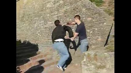 Самозащита от нападатели