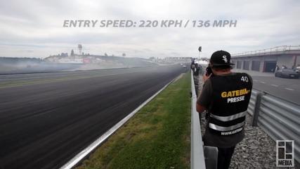 Fredric Aasbø и Mad Mike Whiddett правят дрифт с 220 км/ч !
