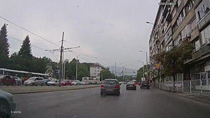 Минаване на червен светофар 48
