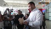 Андреа посреща Кубрат на летището в София 2016