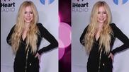 Avril Lavigne Bedridden for Months with Lymes Disease