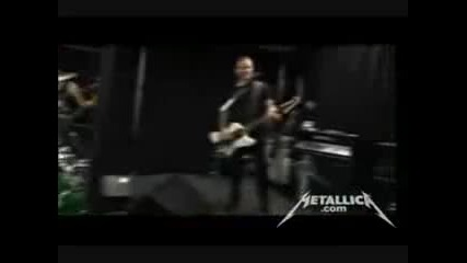 Metallica plays Raining Blood by Slayer16 05 09 (hq) soundcheck