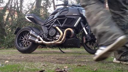 Малко звук от прекрасното Ducati Diavel