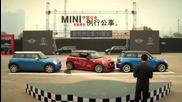 Китаец постави свеотвен рекорд по паралелно паркиране с Mini (видео)