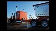 Boxcar Willie - Truckdrivin' Man или Шофьор на камион