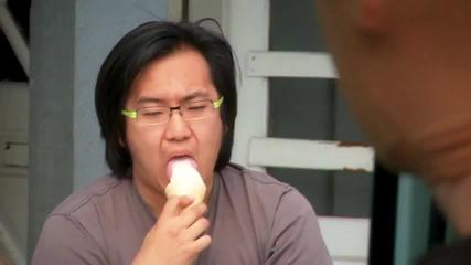 Не трябваше да ми пипаш сладоледа .. ;)