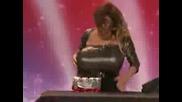 Жена С Огромни Троши Плочки America got Talent 2008
