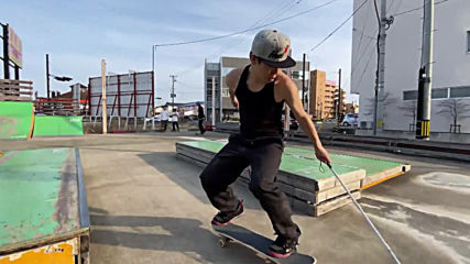Japan's blind 'Tony Hawk' kickflips disability