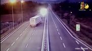 Пиян българин шофира в насрещното на магистрала в Италия