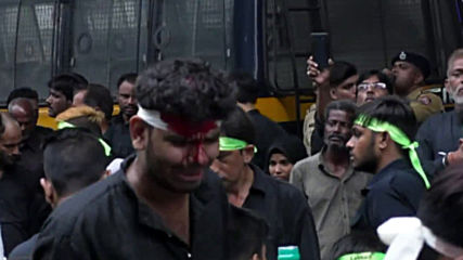 India: Shia Muslims cut their heads mourning death of Prophet Muhammad's grandson *GRAPHIC*