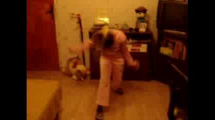 Malkata sladurana tazncuva kratak tanc