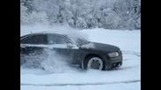 Audi S8 дрифт в снега